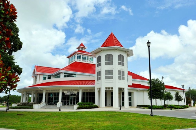 A Wonderful Wedding Venue In Haines City, Florida - Married